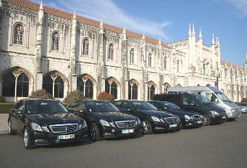 limousines and vans for tours