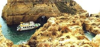 A cruise tour along the rocky coast of Southern Portugal